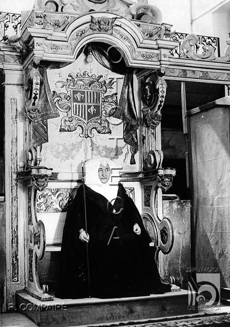 El Real Monasterio de Santa María de Sigena. Algo sobre la jurisdicción de su priora y la vida monacal femenina.